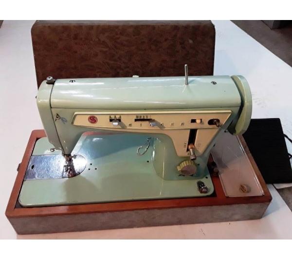 Máquina de costura singer de mesa c/ motor - 1
